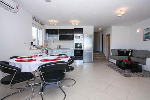 Apartment Deluxe Leona